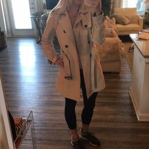 Amazing Zara belted trench raincoat